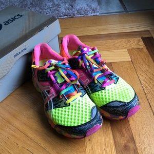 ASICS gel noosa trio sneakers 7.5